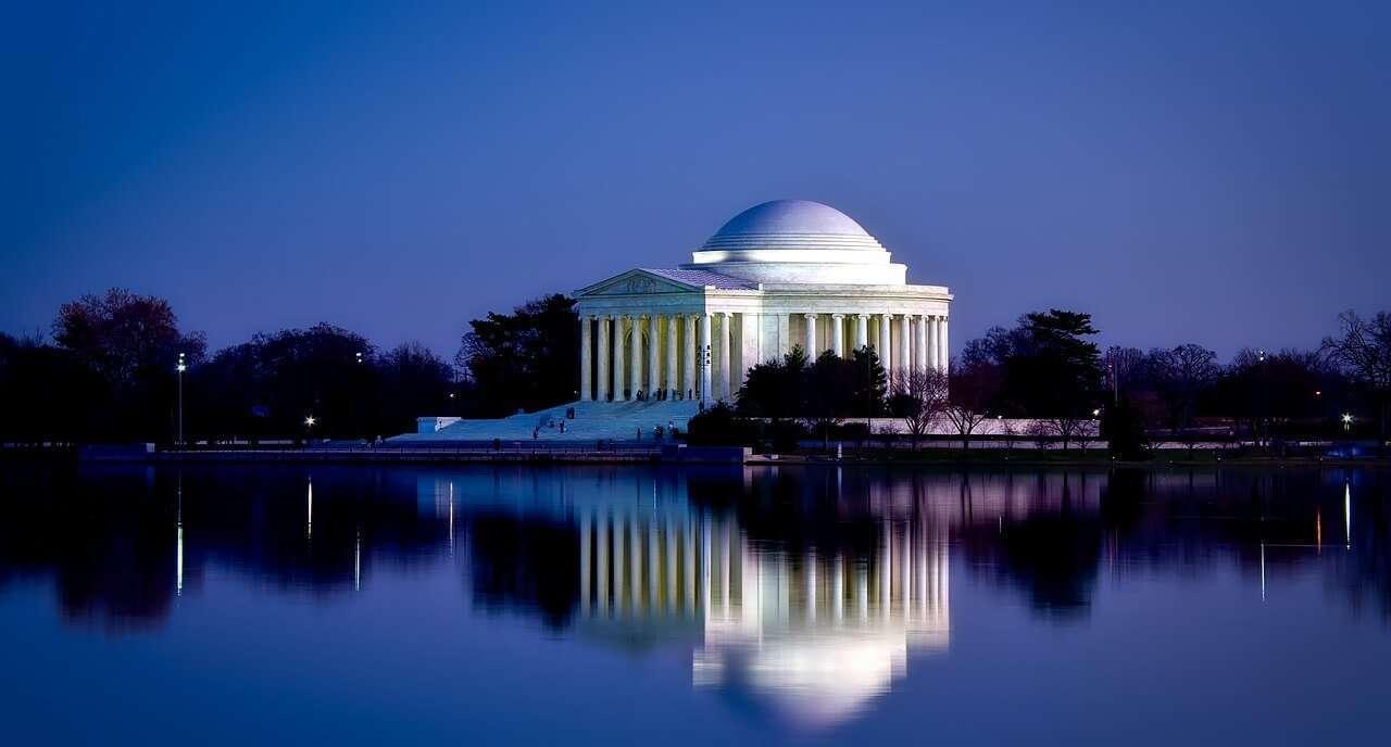 Campidoglio e Oltre : Jefferson Memorial